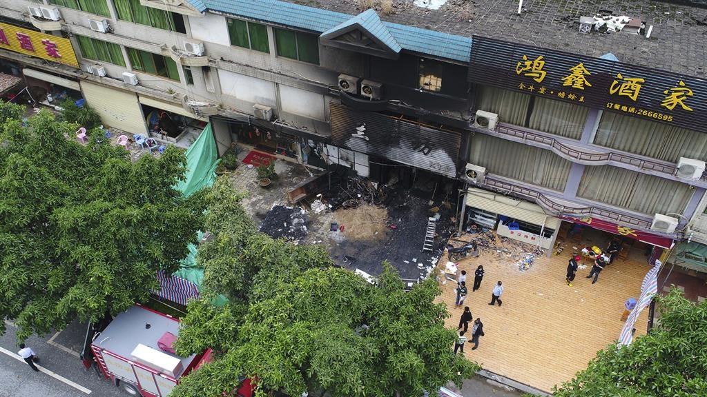 Southern China karaoke lounge fire kills 18