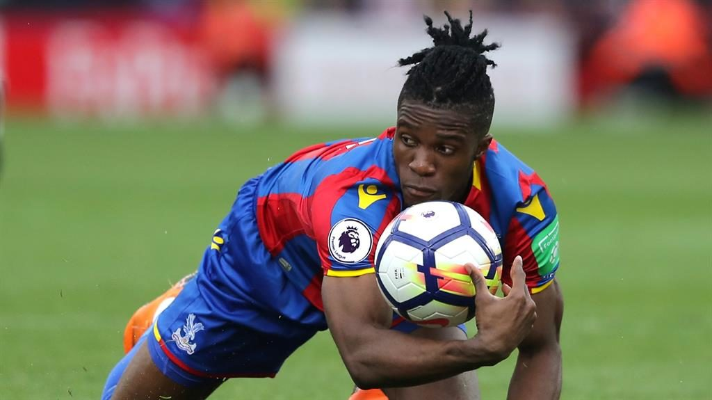 Crystal Palace boss Roy Hodgson defends Zaha amid diving claims