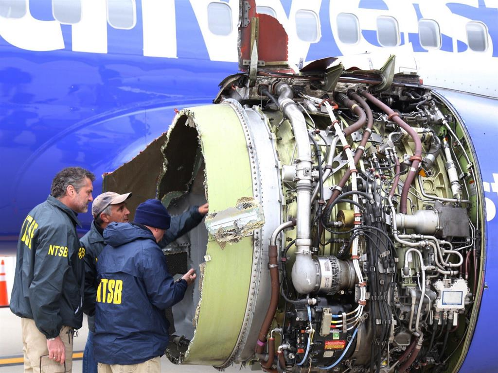 Passengers: Pilot of ill-fated Southwest Airlines flight is a hero