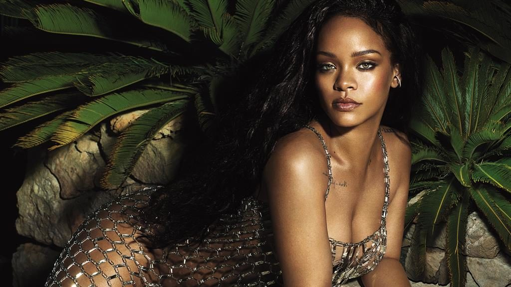 Rihanna: Drake's Love-Declaring 2016 VMAs Speech Was 'Uncomfortable'
