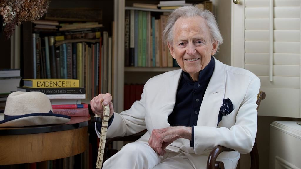 Pioneering journalist Tom Wolfe has died at the age of 88