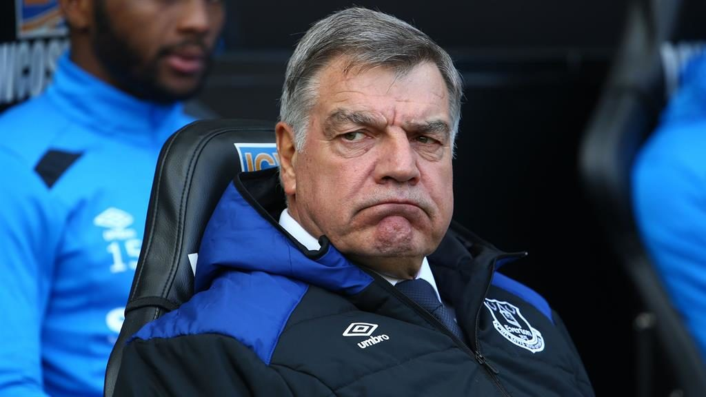Premier League club Everton dismiss manager Sam Allardyce