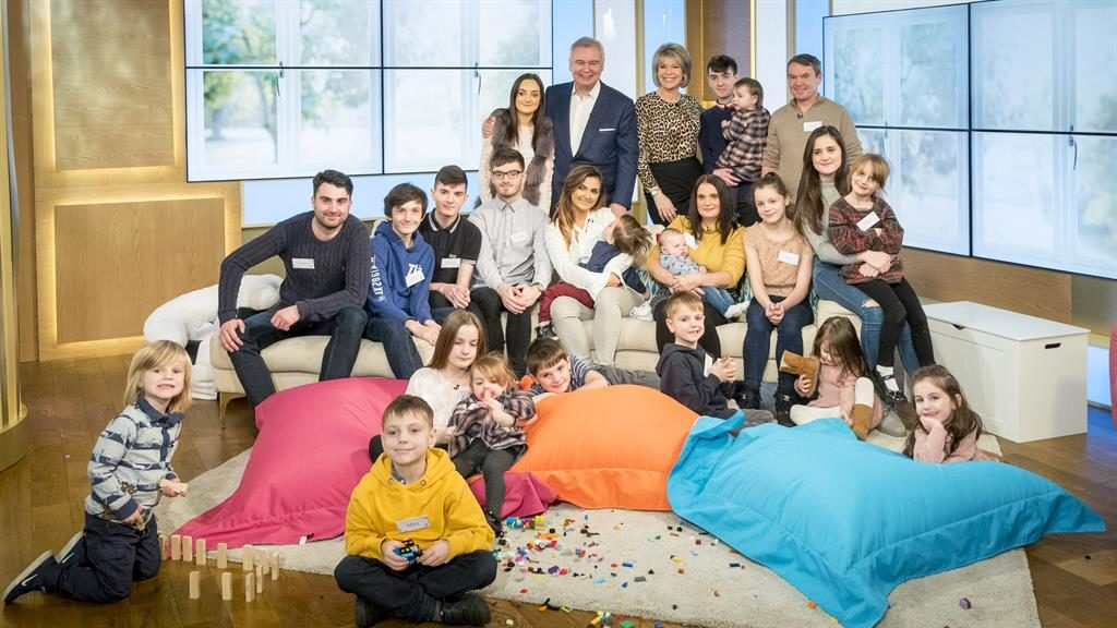 Britain's largest family is expecting again | Metro ...