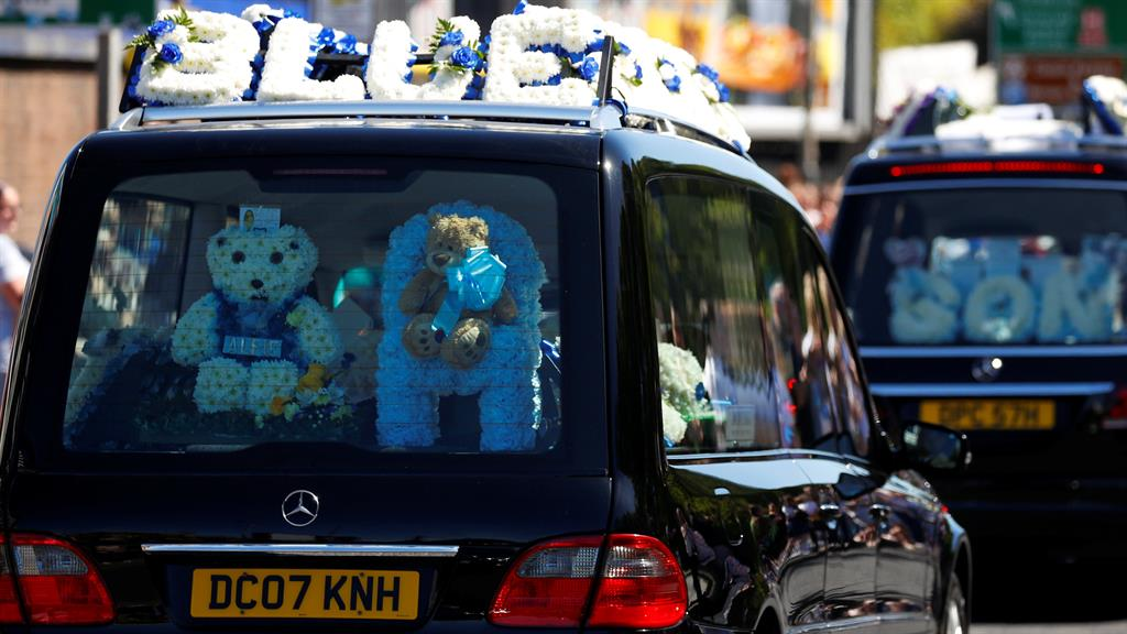 Alfie Evans, British toddler at center of legal storm, laid to rest