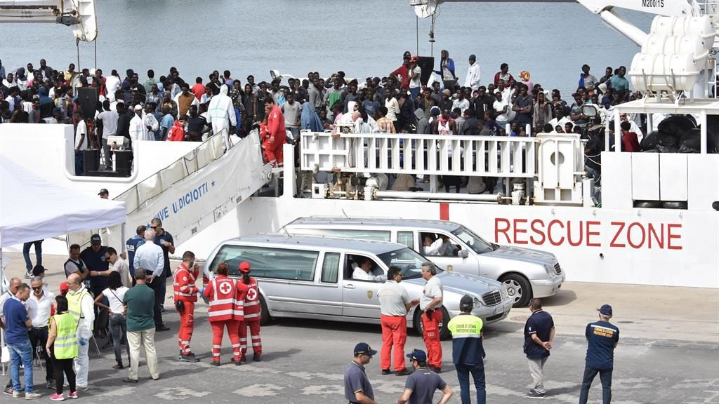 France Ready to Accept Migrants From Aquarius Ship Amid Standoff With Italy