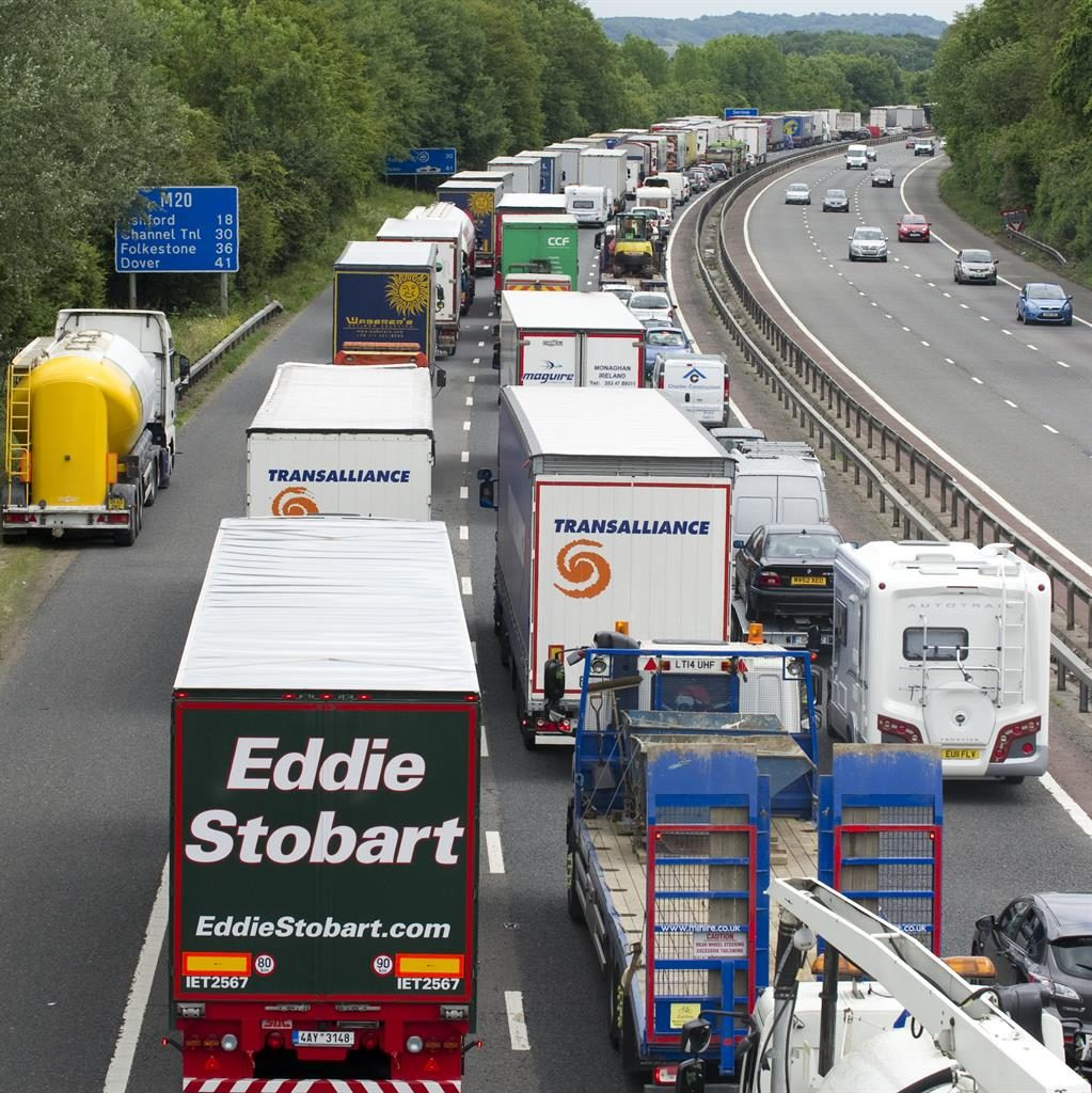 In a jam: Traffic queuing on the M20
