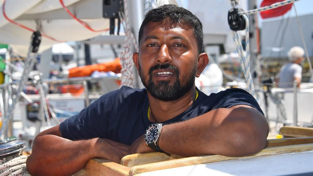 Stranded naval commander to be rescued in 16 hours, says Indian Navy