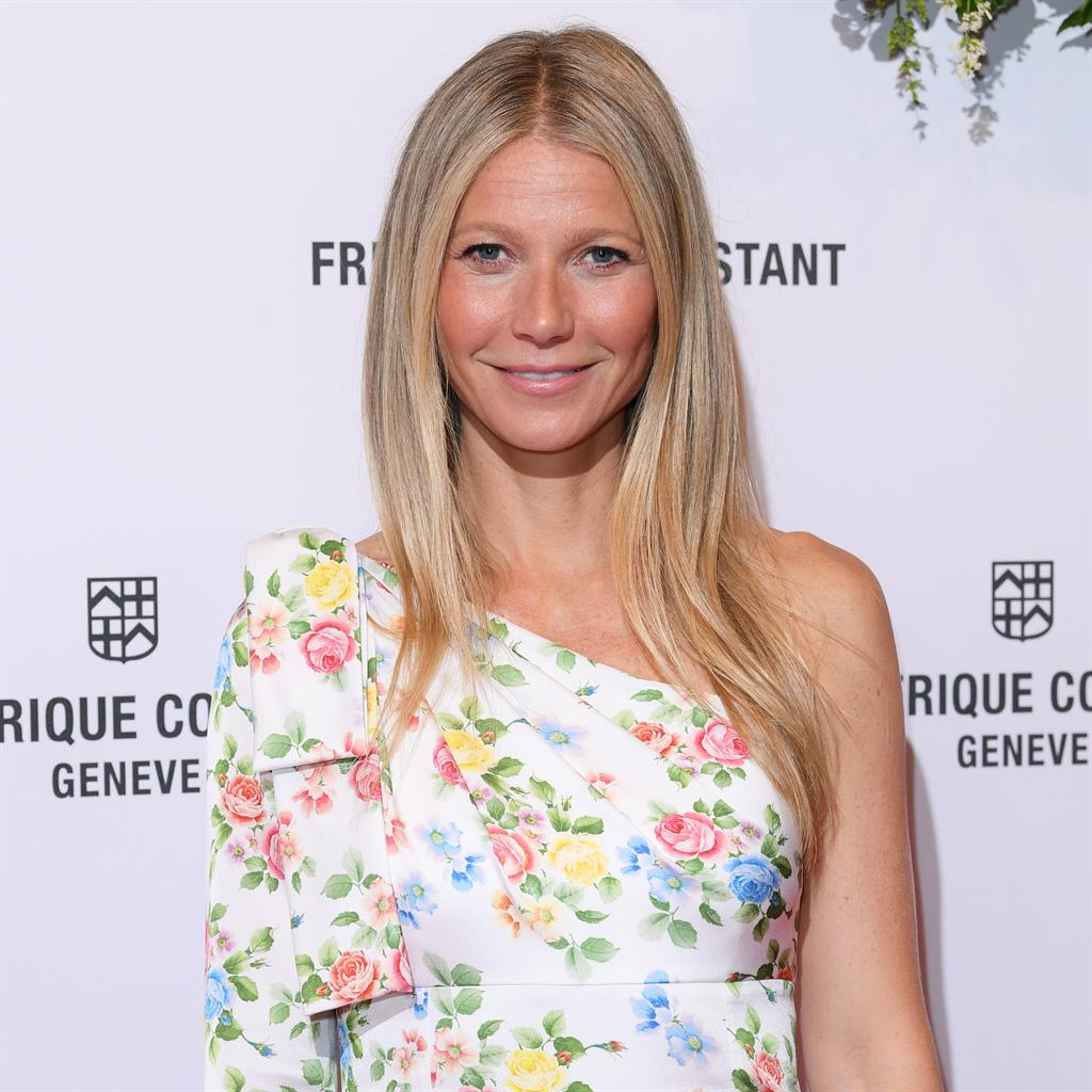 Gwyneth Paltrow shares photograph with daughter Apple