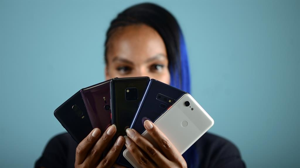 Want an iPhone alternative? Check out these Google-powered flagship