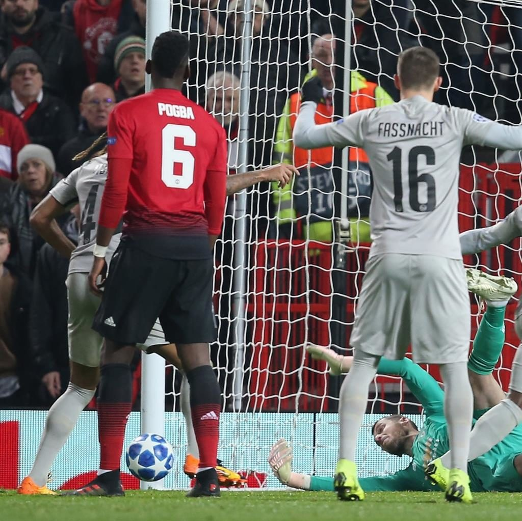 Sensational: De Gea makes a world-class save with the score still 0-0 at Old Trafford last night PICTURE: GETTY