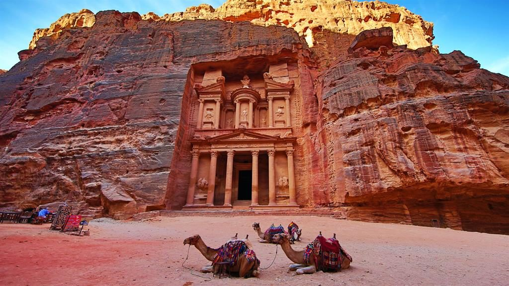 Line in the sand: Tracey Davies visited the Petra Treasury