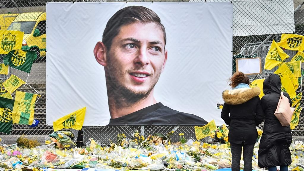 Body from plane wreckage identified as soccer player Sala: UK police
