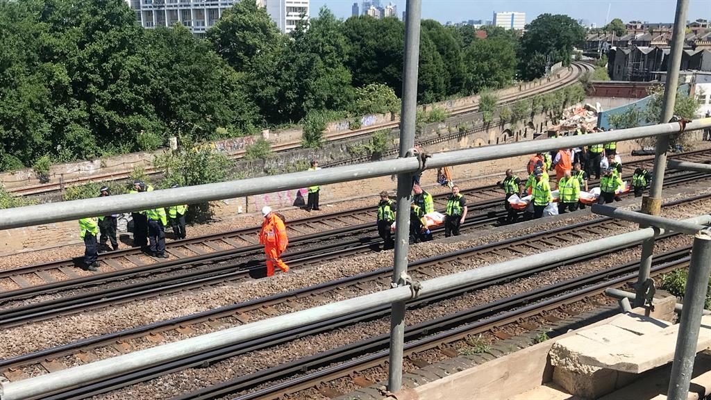 'Risks': Section of railway in south London where bodies were found PICTURE: SWNS/PIXEL8000