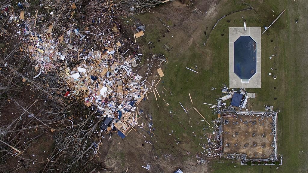 Alabama authorities say all are accounted for after deadly tornadoes