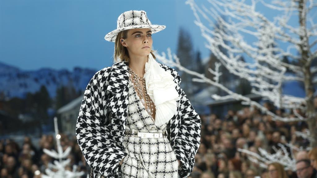 Catwalk: Model Cara Delevingne