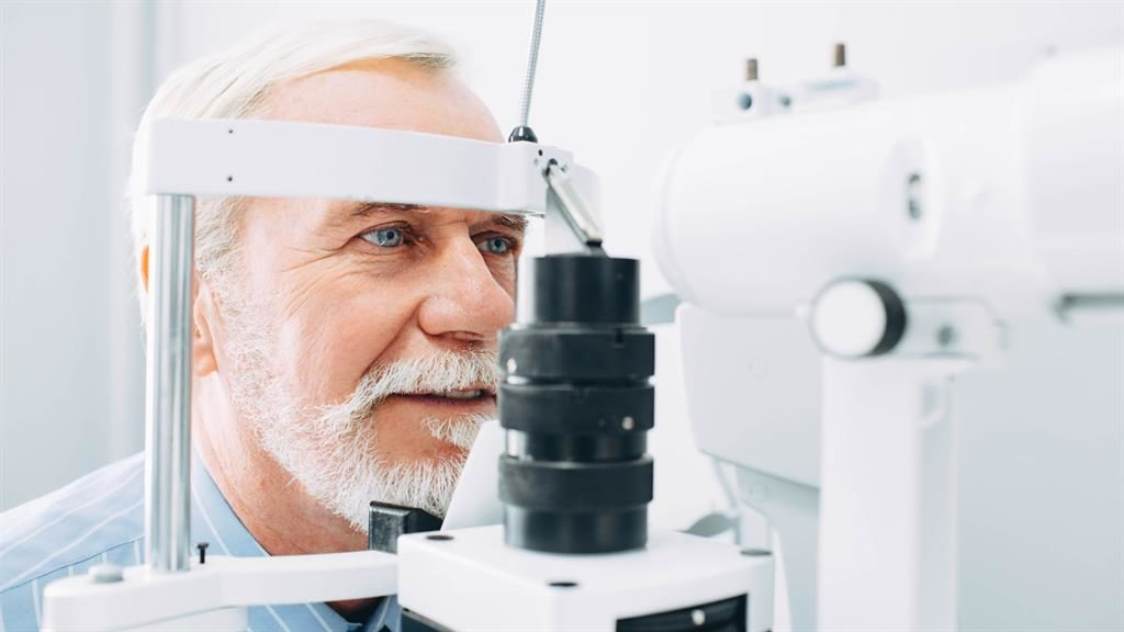 An eye exam could one day provide early diagnosis of Alzheimer's