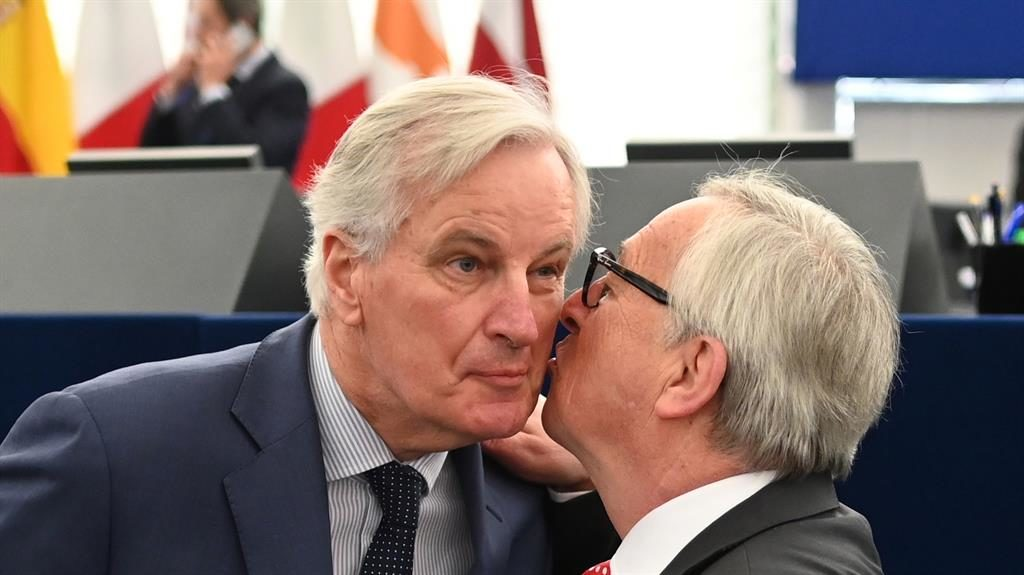 Nice to see EU Mr Juncker kisses his Brexit negotiator Michel Barnier in Strasbourg