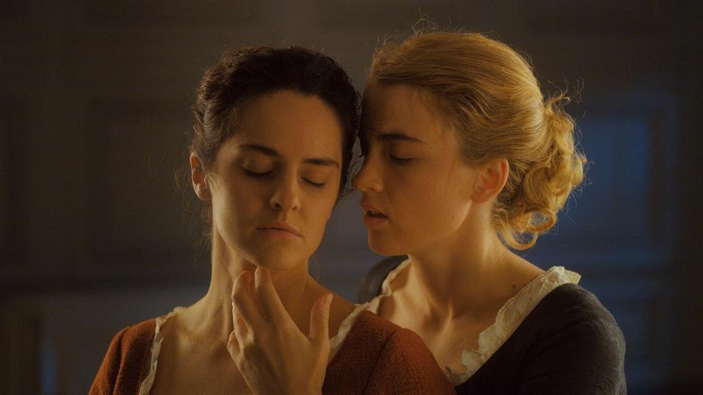 Burning passion: Marianne (Noémie Merlant) and Héloïse (Adèle Haenel)