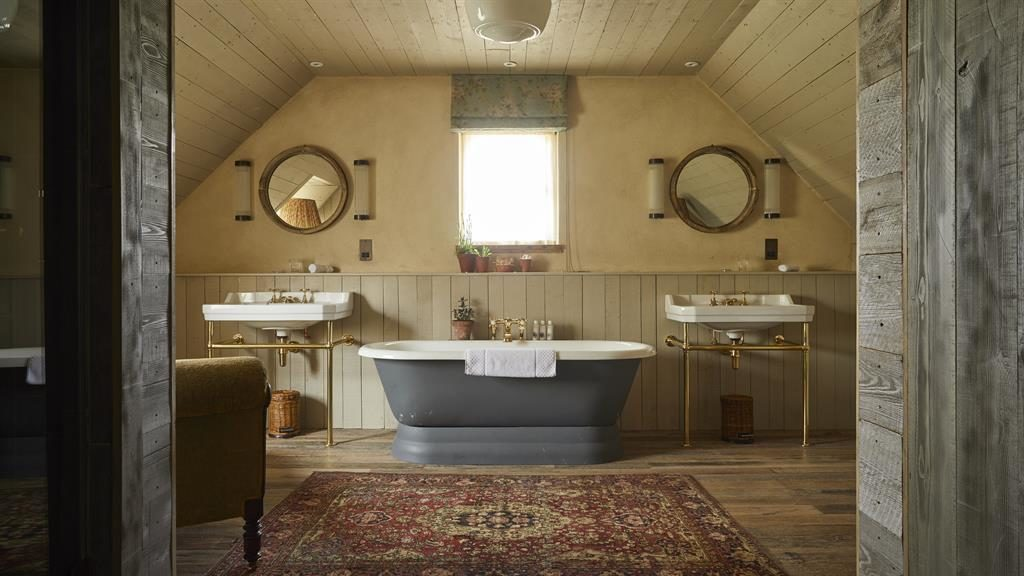 Lovely bubbly: A bath this big is crying out to be filled with champagne