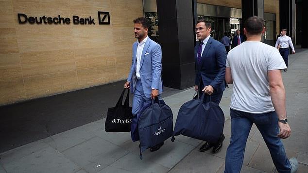 Hello, tailors: Pair leave Deutsche Bank in London
