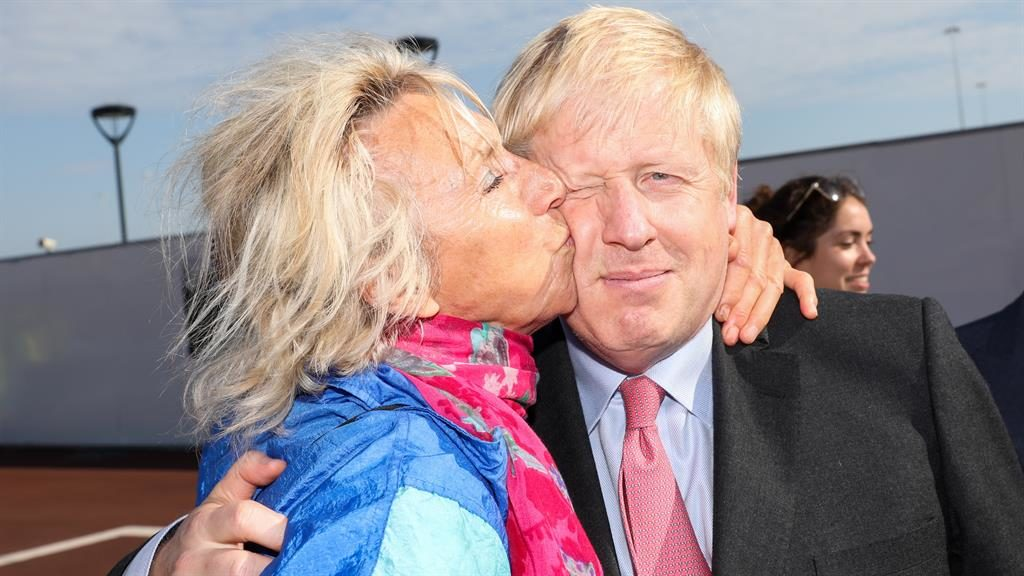 Smooch operator: Boris gets a peck on the cheek, while (below) Amber Rudd was among Jeremy Hunt's fans PICTURE: EPA