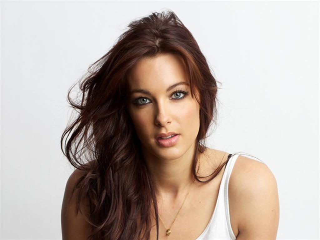 YouTuber Emily Hartridge Dies in Scooter Accident at 35