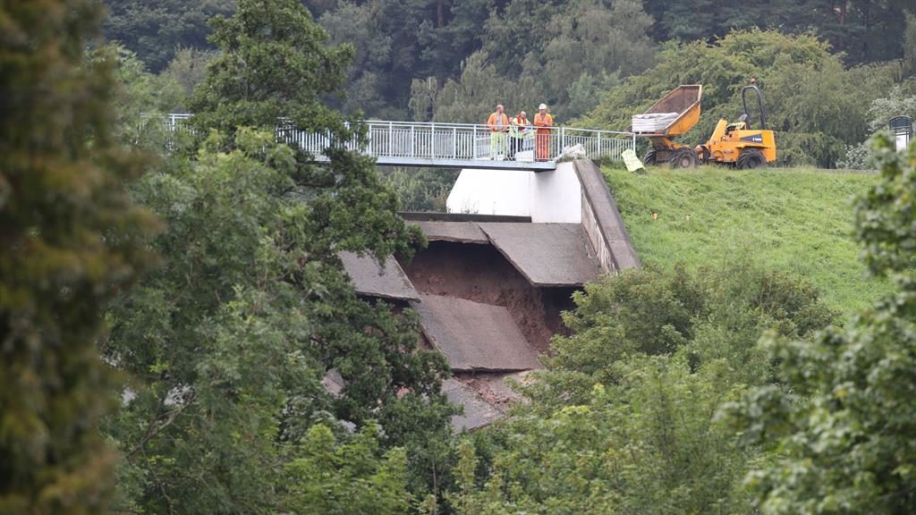 Collapse alert: Damage to the wall of Toddbrook Reservoir PICTURES: PA