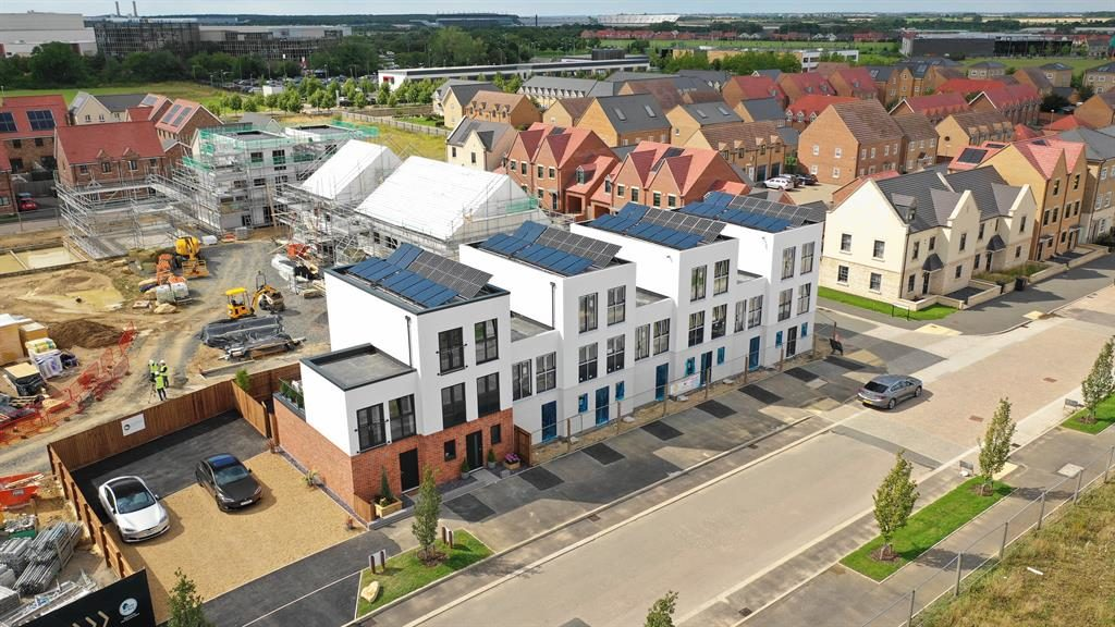 Utopia of Etopia: The homes in Corby and below, inside spec