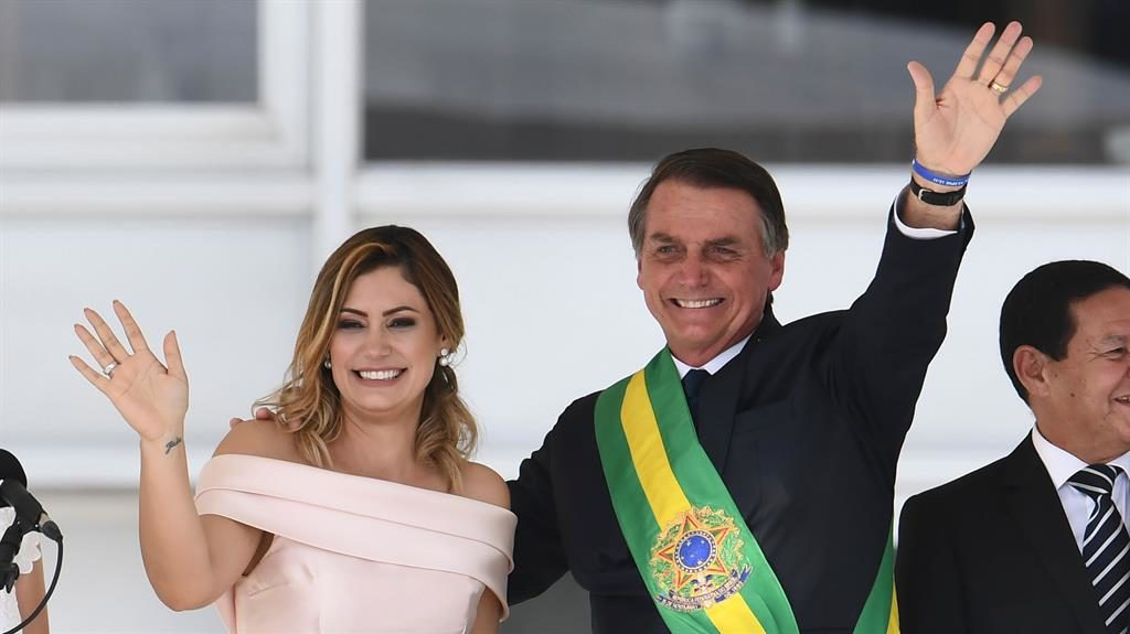 Macron Furious After Brazilian President Jokes About His Wife Metro Newspaper Uk
