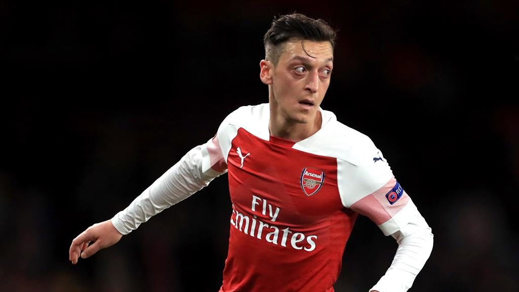 Arsenal star Mesut Ozil in contention to face rivals Tottenham