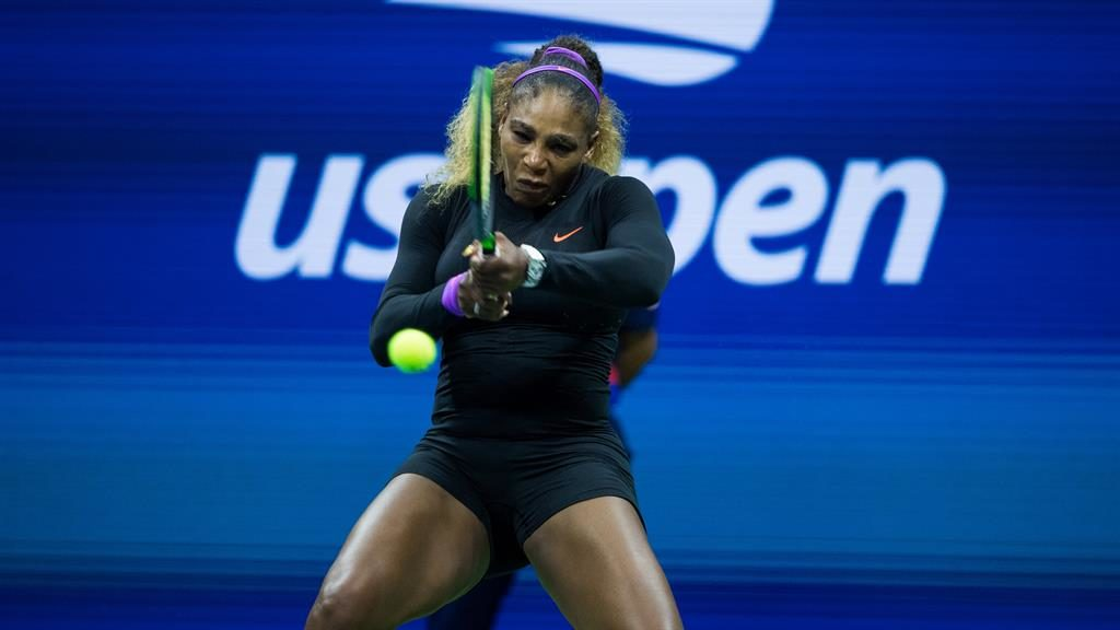 Williams reaches semis; Federer out
