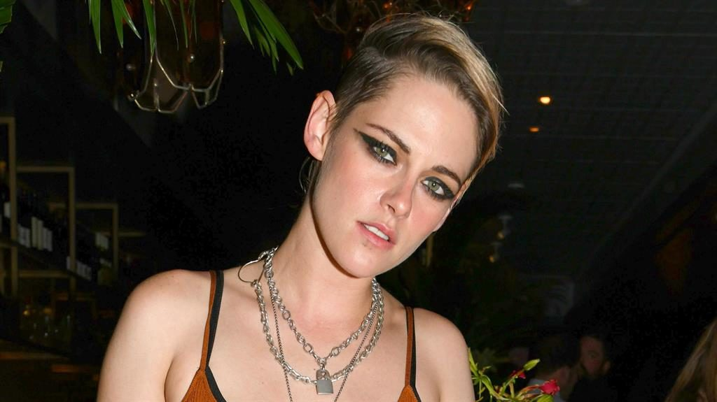 Kristen Stewart Says She'd Want To Play A Gay Superhero