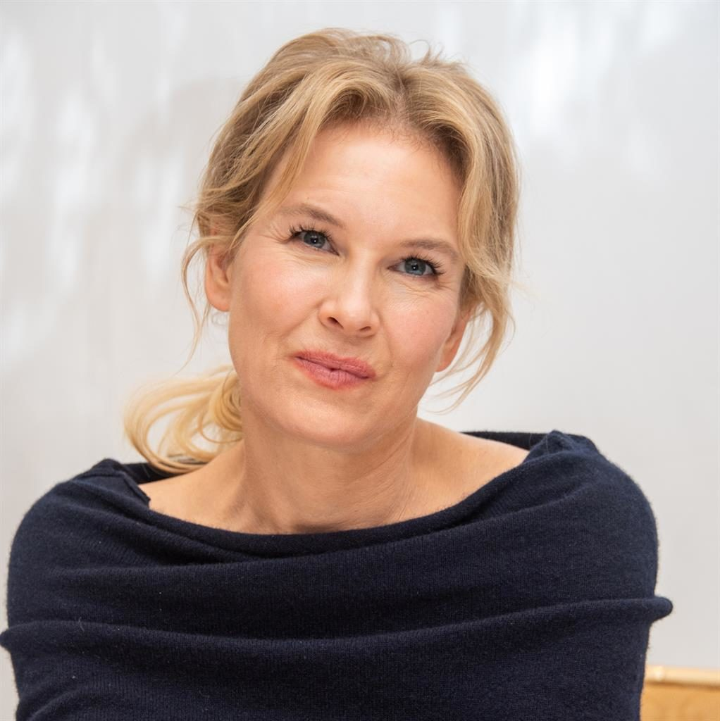 Renée Zellweger recalls 'painful' memory of strangers criticizing her face