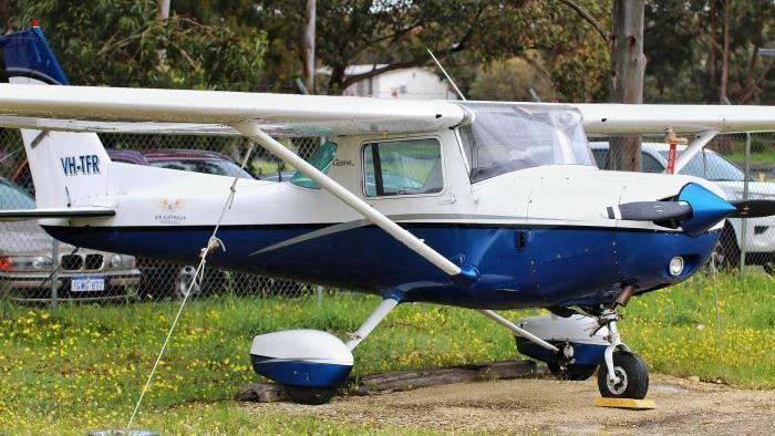 Trainee pilot lands plane after instructor faints