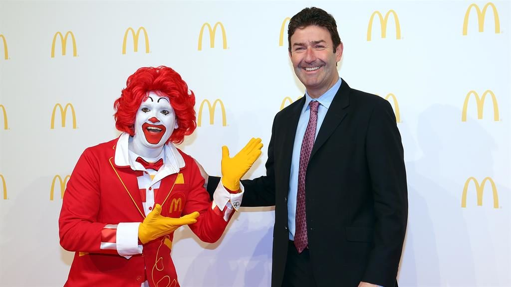 McMascot: Steve Easterbrook with Ronald McDonald PICTURE: GETTY