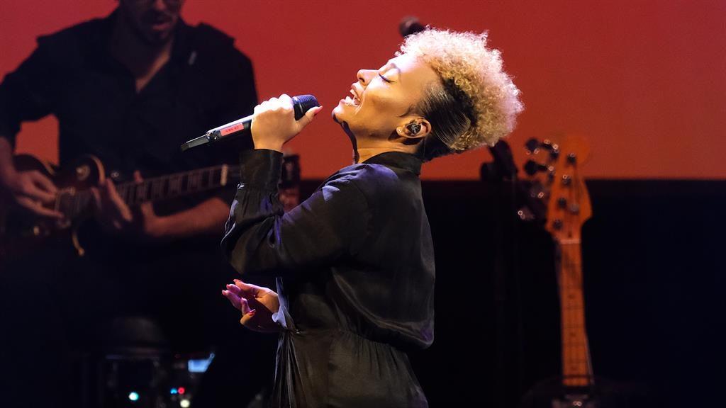 Heartfelt: Sandé belted out huge, billowy anthems