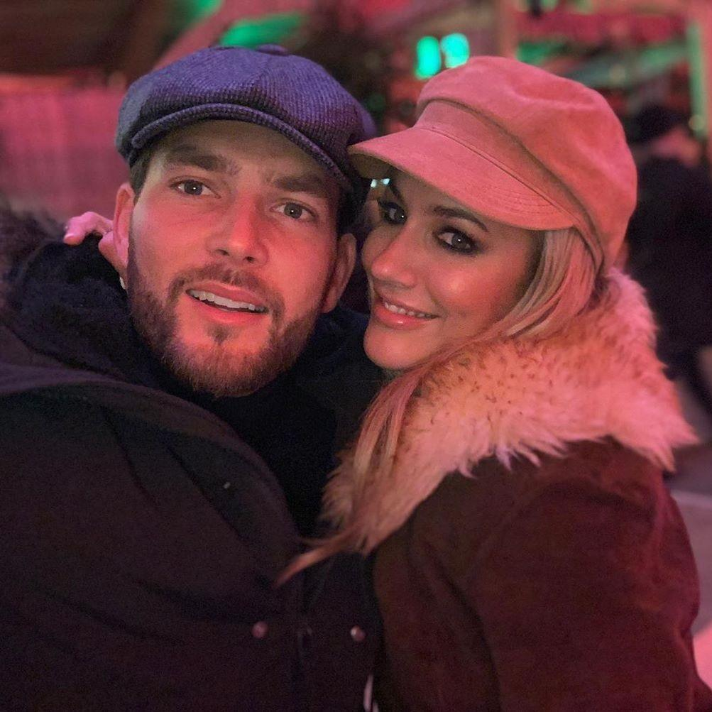 Caroline Flack's boyfriend defends her after arrest