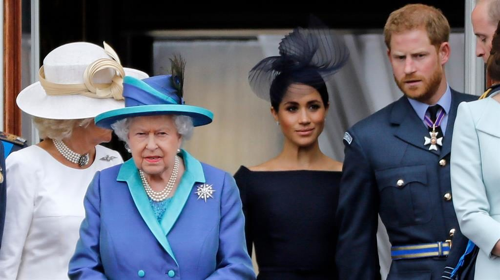 'Bolt from the blue': The Queen is said to have tried to forestall Harry and Meghan's public announcement PICTURES: GETTY/REX
