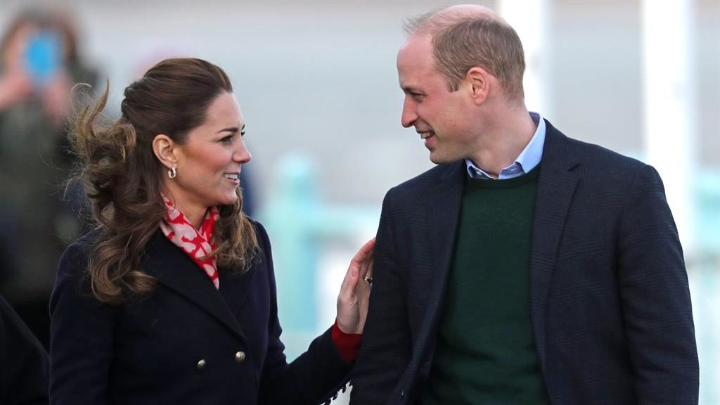 Well-wishers welcome Kate and William to lifeboat station