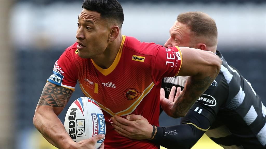Helping hand: Folau PICTURE: GETTY