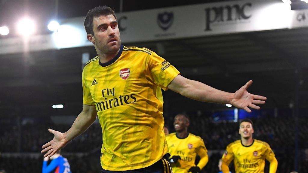 Nketiah extends Arsenal scoring record against Portsmouth