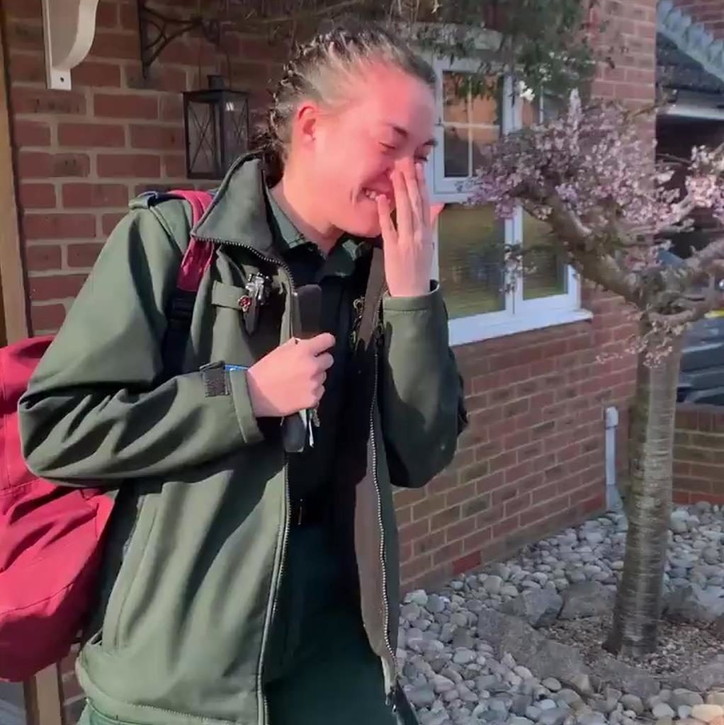 'Overwhelmed': Tayla Porter cries with emotion as her neighbours applaud her