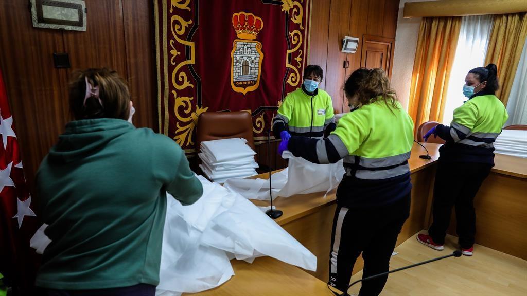 Spain death toll surpasses 9,000 as it enters third week of lockdown