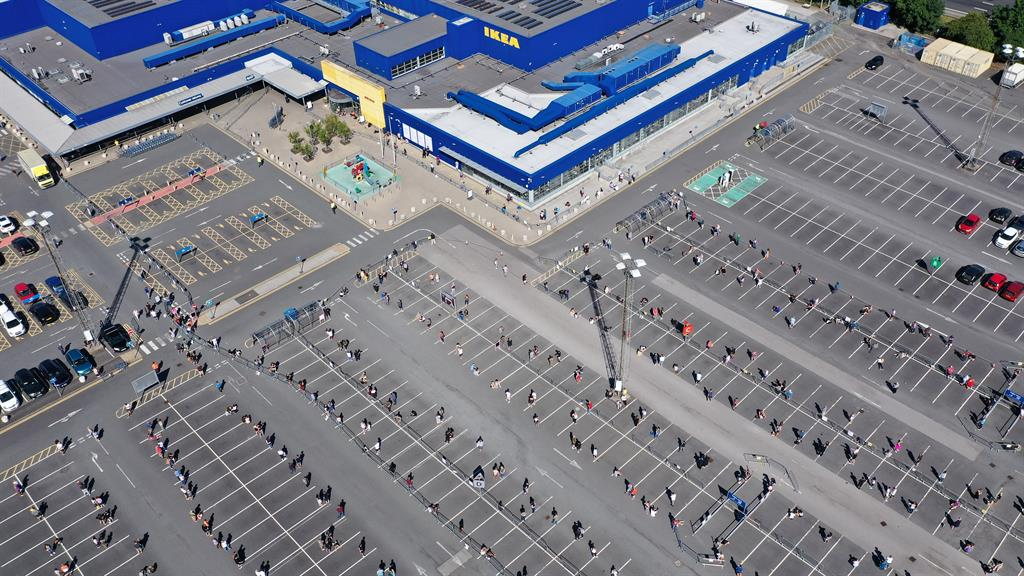 Massive queues as IKEA reopens in Belfast today