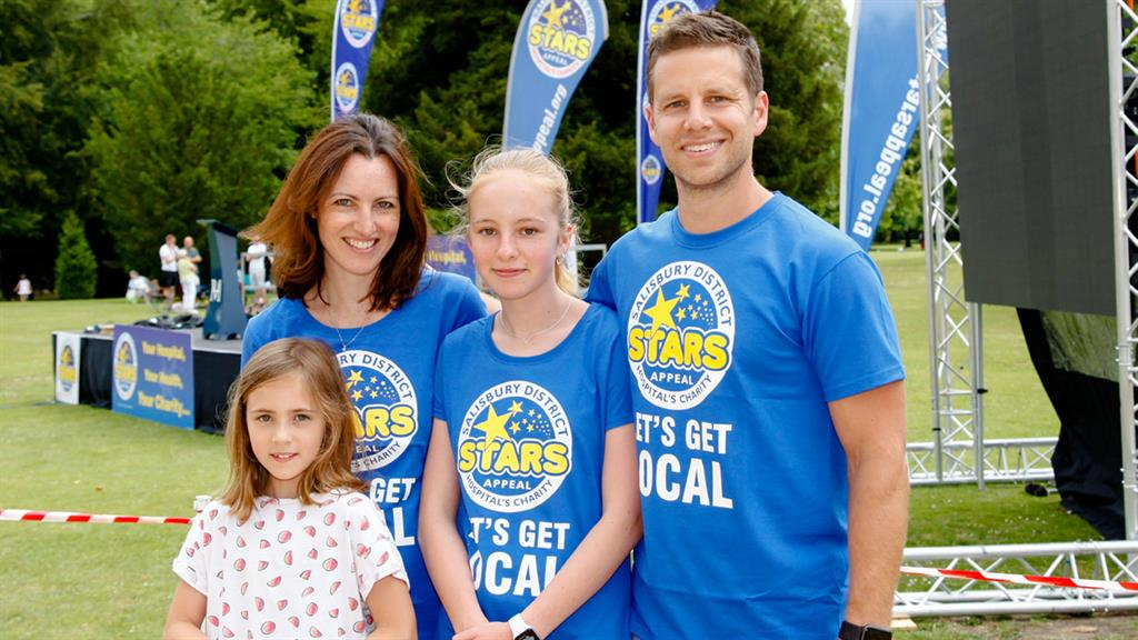'Be kind': Det Sgt Nick Bailey, with wife Sarah and their daughters, ran marathon for charity after recovering PICTURE: SOLENT NEWS