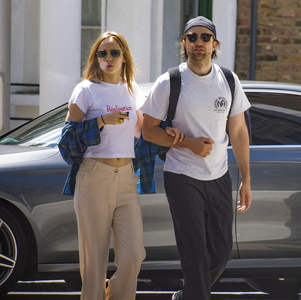 Keeping it Réal: Suki and R-Patz out in London, and Tom with Stranger Things' Maya in The  Hamptons PICTURES: MJP/IMAGEDIRECT