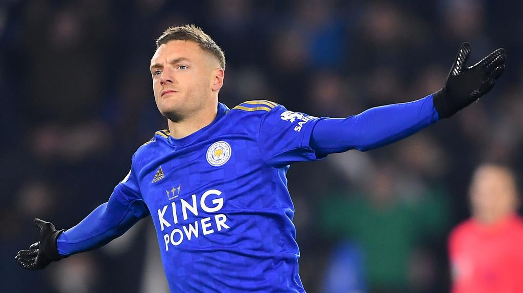 Leicester City extend Jamie Vardy's deal until 2023