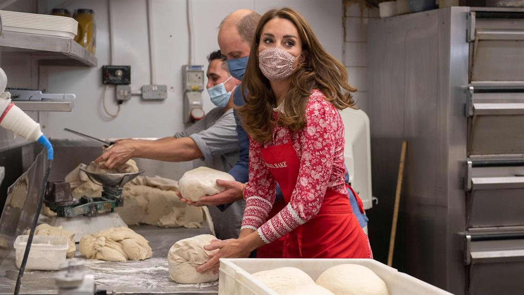 Bake and Wills: The Duke and Duchess of Cambridge at Beigel Bake in Brick Lane PICTURES: AFP/PA