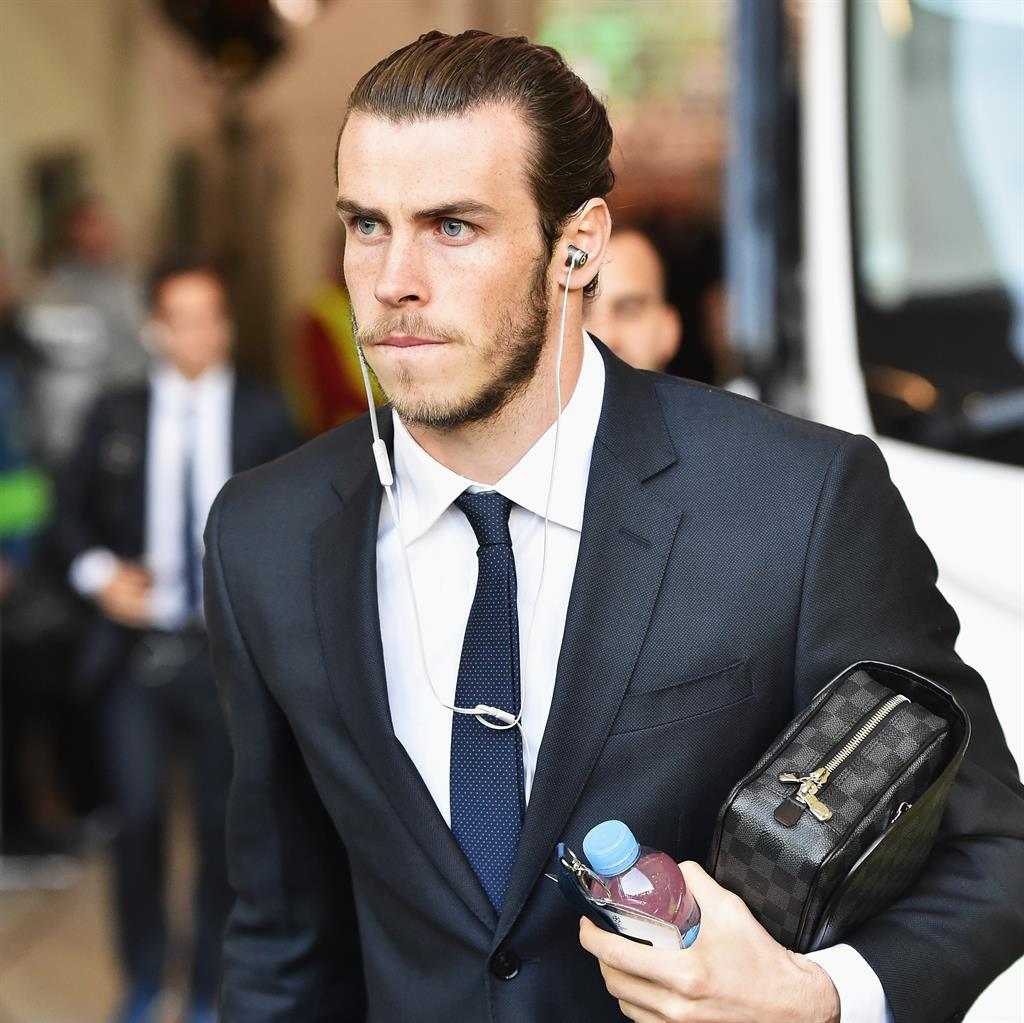 Bale set to arrive in England on Friday for Tottenham move