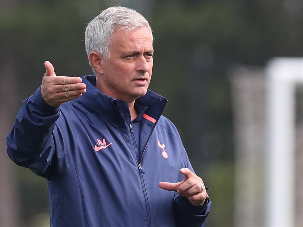 Mourinho đồng ý ký hợp đồng với Gareth Bale - ảnh 2.